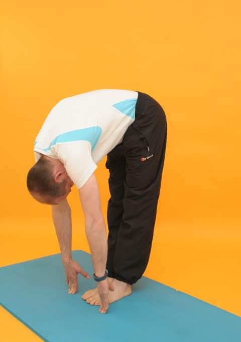 Dehnübungen Rückenschmerzen Vorbeuge