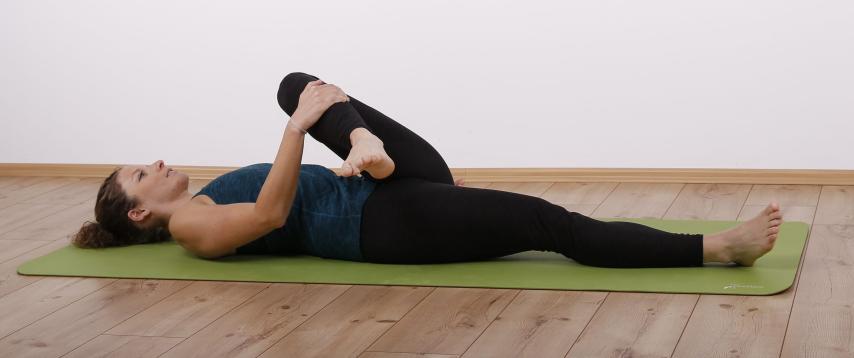 Pirifomis-Syndrom Knie zur gegenüberliegenden Schulter