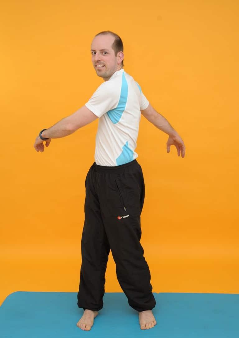 Rückenübungen Nummer DREI: Arme schlenkern