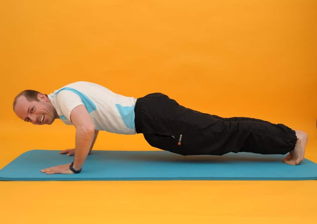 Rückenübungen Nummer VIER: Liegestütz