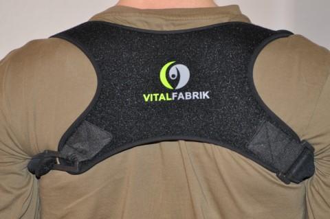 Geradehalter Rücken von VITALFABRIK von hinten